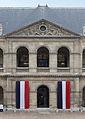 Paris - Les Invalides - Pavoisement de la cours d'honneur - 001.jpg