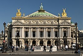 Paris Opera full frontal architecture, May 2009.jpg