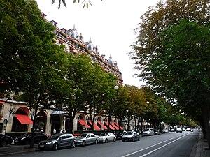 Avenue Montaigne - Image: Paris avenue montaigne
