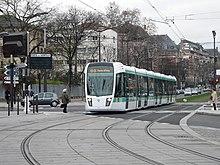 File:Paris 06 2012 T2 tram 3155.JPG - Wikimedia Commons