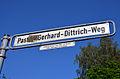Pastor-Gerhard-Dittrich-Weg in Hannover mit Legende, Gerhard Dittrich 19.05.1887 - 21.10.1973, 1929-1958 Pastor in Kirchrode.jpg