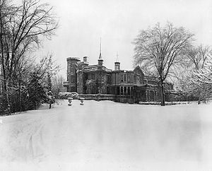 Andrew Robertson (businessman) - The Island, home of Hugh and Bella (Robertson) Paton at L'Abord-à-Plouffe, near Montreal