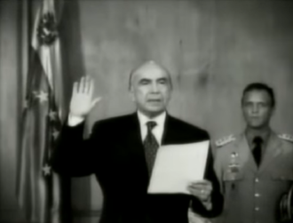 Pedro Carmona - Carmona taking the oath as president.