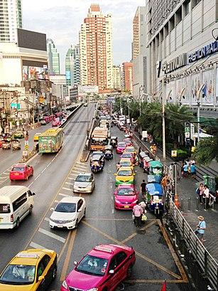 วิธีการเดินทางไปที่ ถนนเพชรบุรี โดยระบบขนส่งสาธารณะ – เกี่ยวกับสถานที่