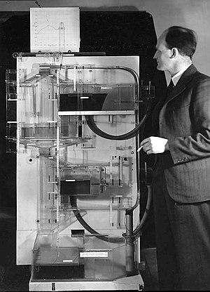William Phillips (economist) - Phillips with his MONIAC computer