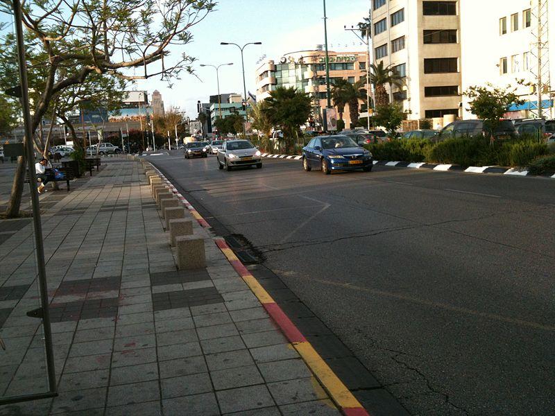 רחוב יגאל אלון