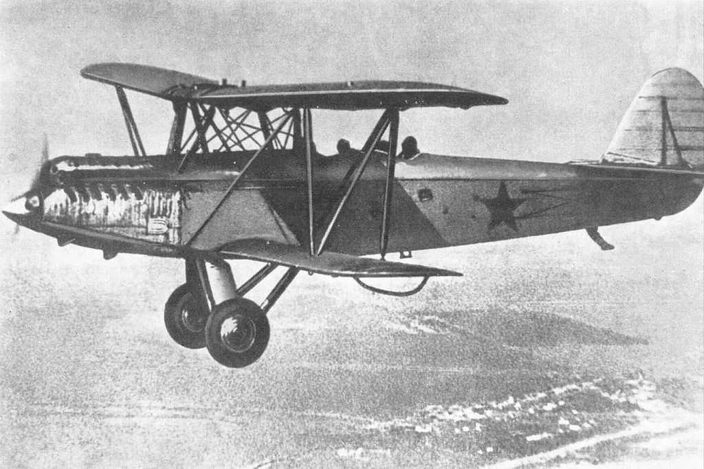 https://upload.wikimedia.org/wikipedia/commons/thumb/d/dc/Polikarpov_R-5.JPG/1024px-Polikarpov_R-5.JPG