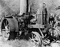 Primer tractor de Venezuela comprado por Gustavo Julio Vollmer Ribas para el arrime de la caña de azúcar en la Hacienda Santa Teresa.jpg