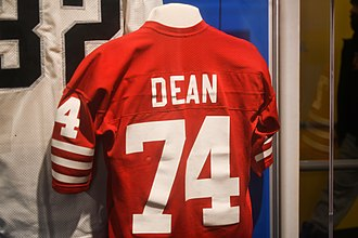 Dean's uniform with the San Francisco 49ers at the Pro Football Hall of Fame Pro Football Hall of Fame (24937975708).jpg