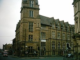 Pudsey Town Hall.jpg