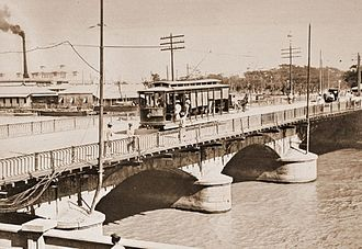 Puente de España - The Puente de España during the American Colonial Period after it was widened and tracks were added for streetcars.