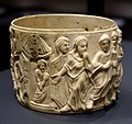 Pyx with Christ performing miracle healing, view 2, Eastern Mediterranean, c. 500 AD, ivory - Hessisches Landesmuseum Darmstadt - Darmstadt, Germany - DSC00336.jpg