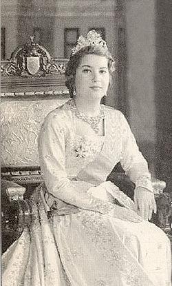 Queen Nariman of Egypt.jpg