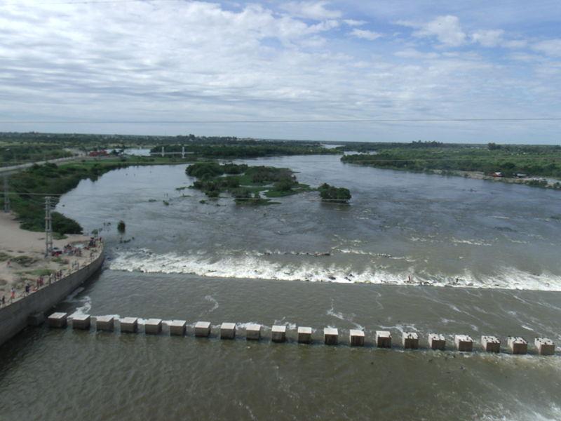 Río Dulce desde el Dique Frontal.JPG