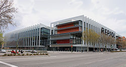 Repsol headquarters (Madrid) 03.jpg