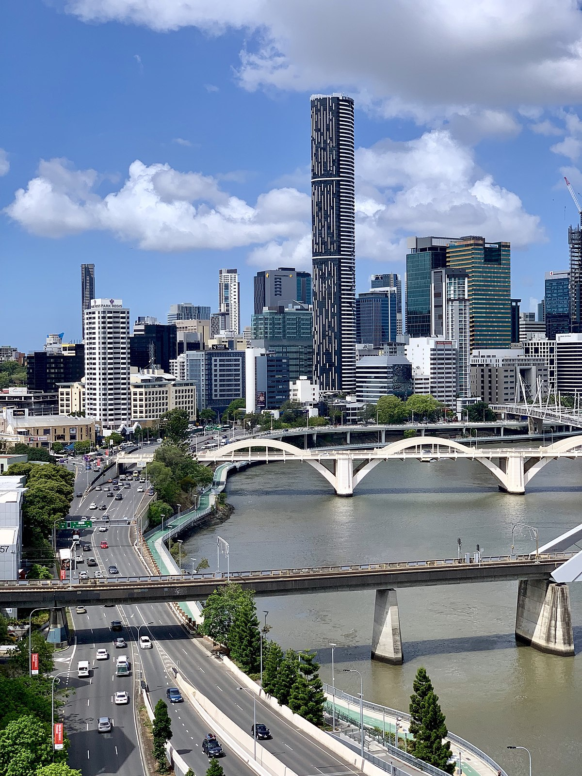 File:River views of Brisbane CBD seen from the top of 135 ...