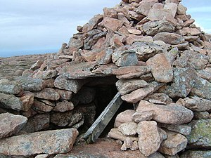 Ronas Hill - The chambered cairn on the summit of Ronas Hill