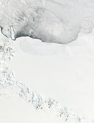 Queen Alexandra Range - The Queen Alexandra Range is at the top, at the upper base of the Ross Ice Shelf (NASA).