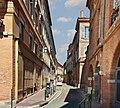 Rue Tolosane (Toulouse) - Le début de la rue, vue de la place Mage.jpg