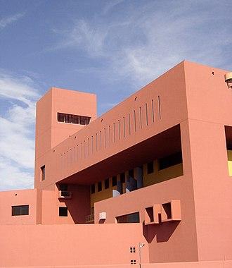 Ricardo Legorreta - San Antonio Public Library, Texas, 1995