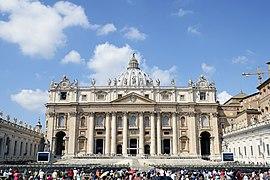 Saint Peter's Basilica 2014.jpg
