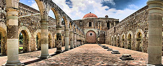 Cuilapan de Guerrero - Basilica at the ex-monastery Santiago Apostol