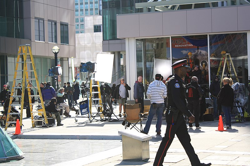 File:Saw VII filming Metro Hall Toronto.jpg