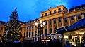 Schloss Schönbrunn - Adventmarkt 1.jpg