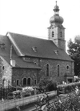 Seitenansicht St. Bonifaz (Lohr am Main-Sackenbach)