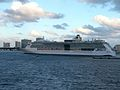 Serenade of the Seas (30989804094).jpg