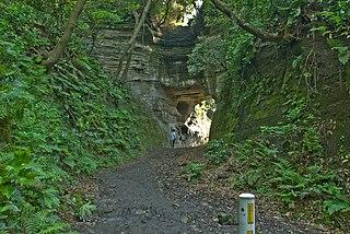 Shakado-Pass、Omachi,-Kamakura.jpg