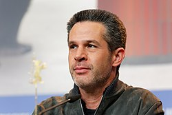 Simon Kinberg Press Conference Logan Berlinale 2017.jpg