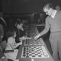 Simultaan schaken in de Kroon Amsterdam Olafsson en Larssen tegen Carolientje …, Bestanddeelnr 910-1093.jpg