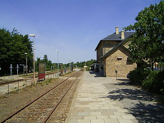 Randers–Aalborg line - The track and platforms at Skørping station in 2009