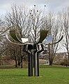 Skulptur Puschkinallee 15 (AltTr) Blume aus Metall.jpg