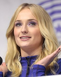 Sophie Turner (40553145603) (cropped) 2.jpg