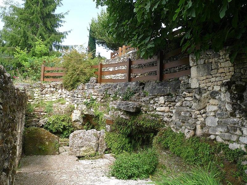 Fontaine Charlemagne, le Pétureau, Soyaux, Charente, France