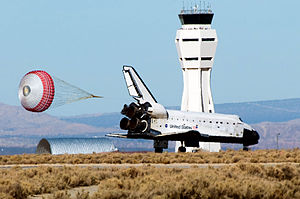 Space Shuttle Endeavour touches down November 30, 2008.jpg