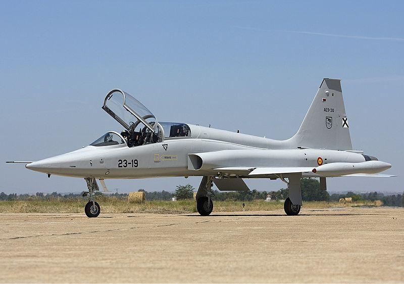File:Spanish Air Force Northrop (CASA) SF-5B(M) Freedom Fighter Lofting-1.jpg