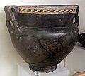 Sparta, cratere laconico a vernice nera con orlo a zig-zag, 560 ac ca., dalla tomba dei vasi greci alla banditaccia.jpg
