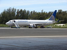 Starr 080604-6138 Continental Airlines Boeing 737-824 (N25201) at Henderson Field, Midway Atoll.jpg