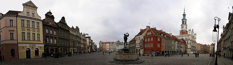 File:Stary Rynek w Poznaniu widok4.JPG