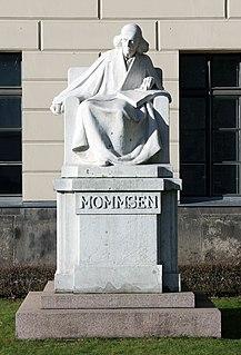 Statue of Theodor Mommsen