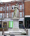 Statue of Queen Victoria - geograph.org.uk - 1163750.jpg