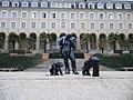 Statues devant le palais st georges a rennes - panoramio.jpg