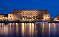 Stockholm Palace at night.jpg