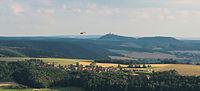 Sulza mit Leuchtenburg und Rettungshubschrauber.jpg