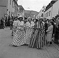 Surinaamse dames in Kotomisi, Bestanddeelnr 254-4443.jpg