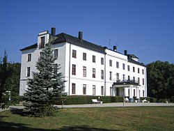 Swedish castle Rönneholm.jpg