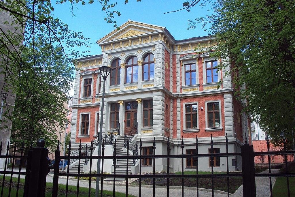 1024px-Szczecin_S%C5%82owackiego_3_willa_%282020%29.jpg